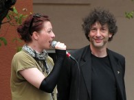 2013-03-17_Neil_Gaiman_and_Amanda_Palmer_0283